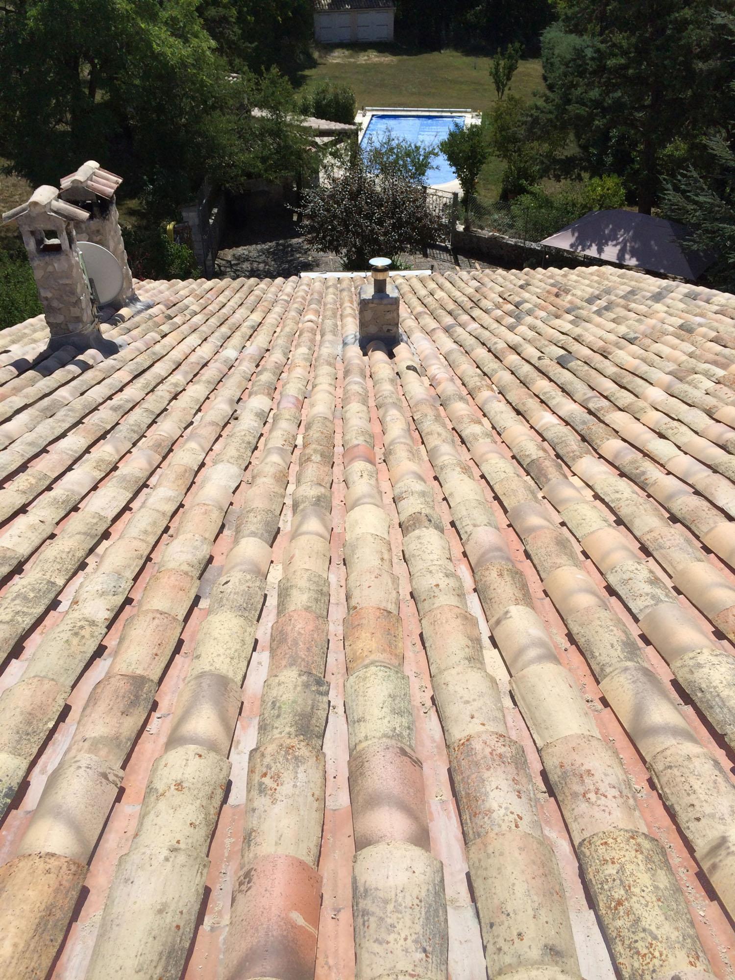 Couvreur à Cavaillon : expert toiture des toits anciens du Vaucluse