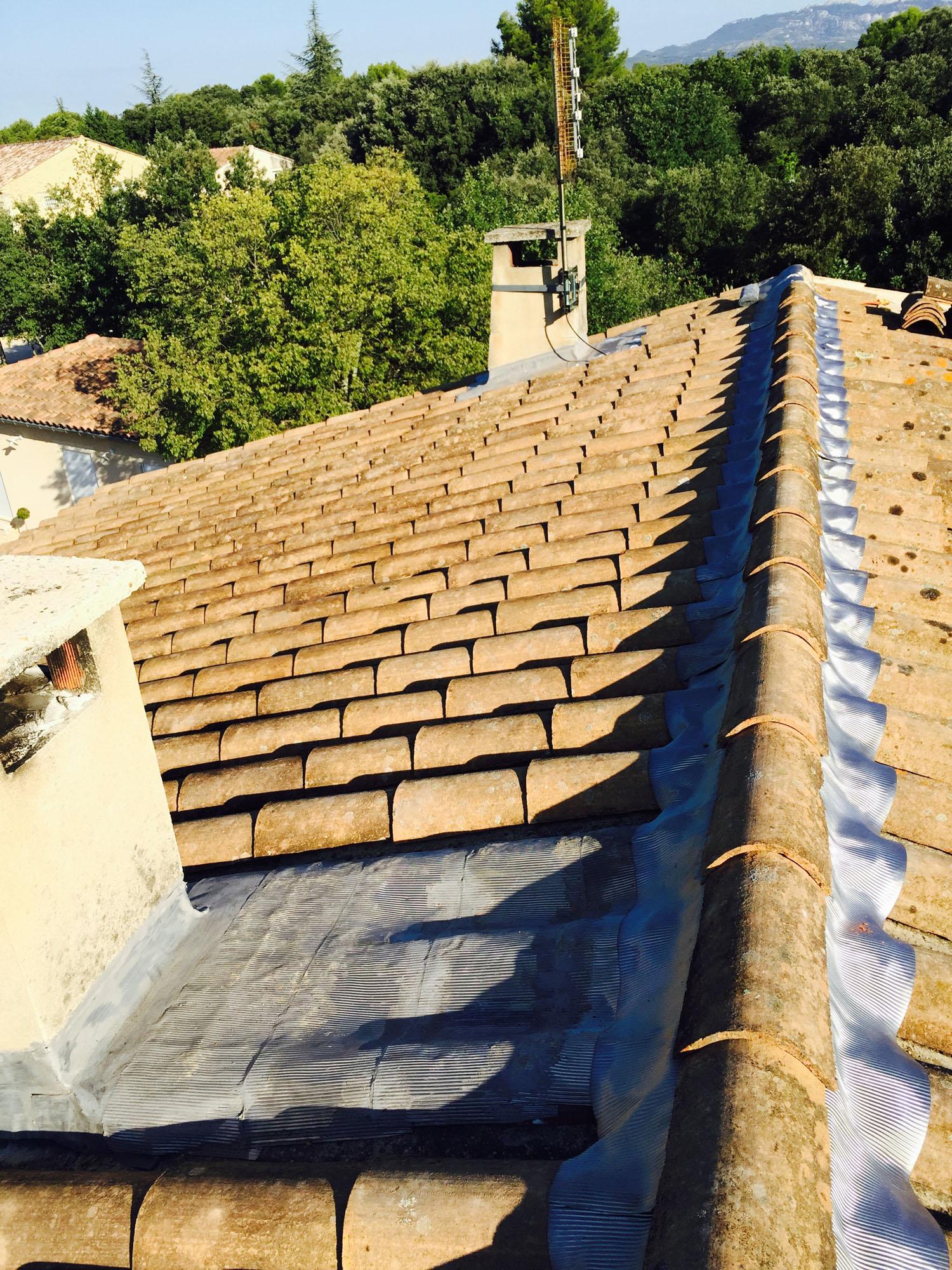 Etanchéité conduit cheminée toiture Avignon (84) Orange Carpentras
