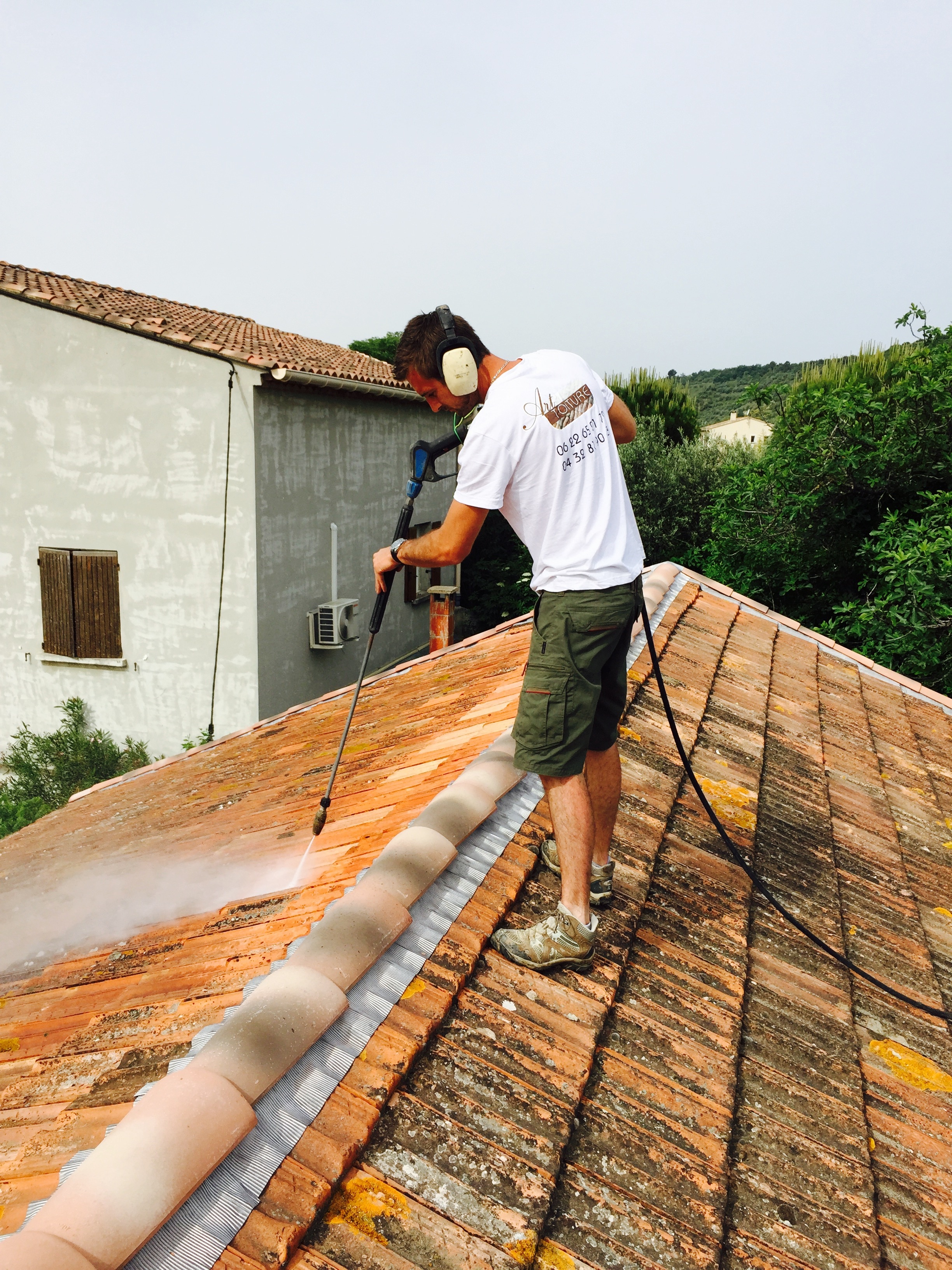 Traitement des tuiles nettoyage toiture Avignon (84) Orange Carpentras