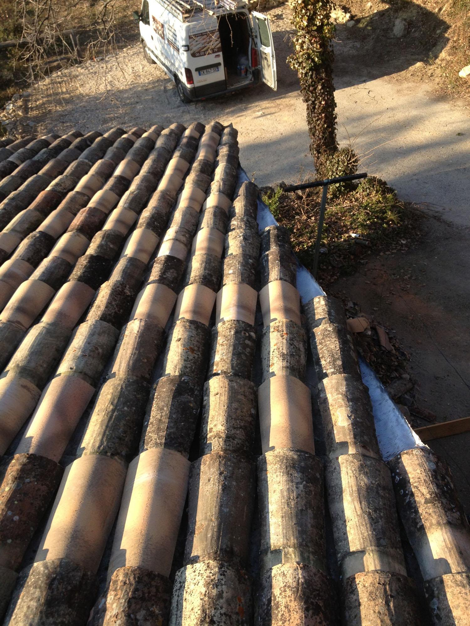 Rénovation de toiture couvreur à Lourmarin Apt