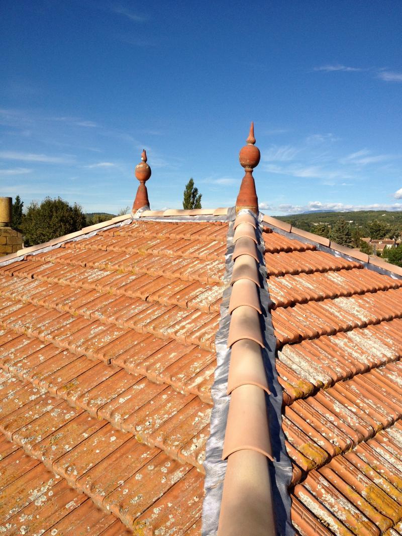 R novation de toiture tuiles plates l 39 isle sur la sorgue for Toiture tuile plate